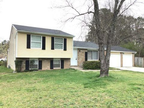 Photo of 3225 Valley Bend Rd, College Park, GA 30349