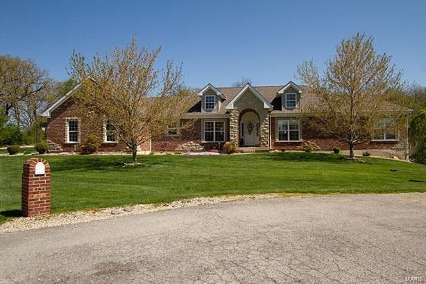 271 Lake Forest Dr Troy, MO 63379