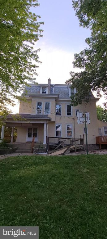 219 Crawford Ave Lansdowne, PA 19050