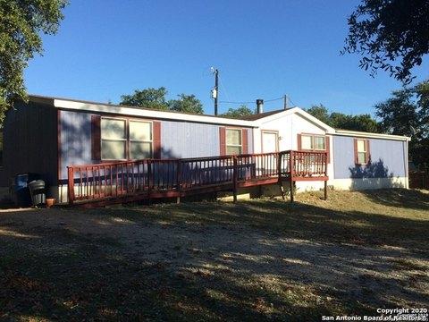 1126 Glenn Dr, Canyon Lake, TX 78133
