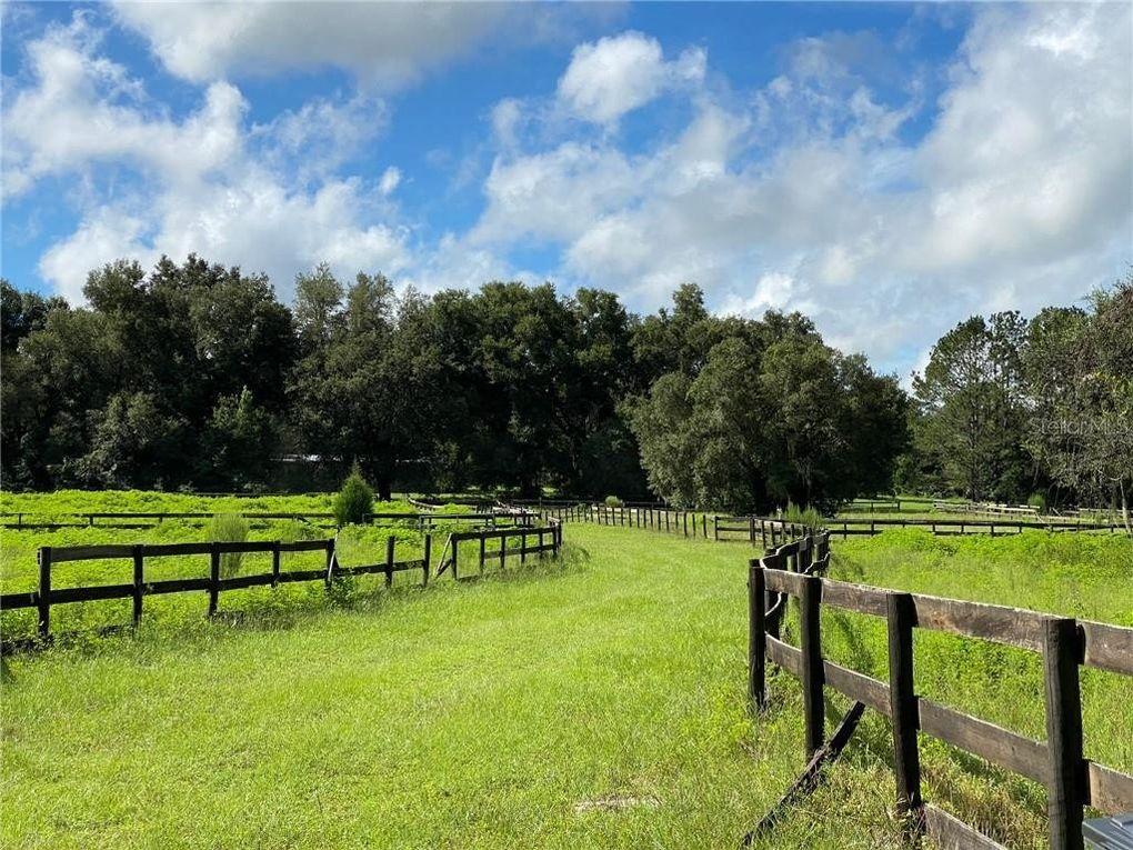 27390 Hickory Hill Rd Brooksville, FL 34602