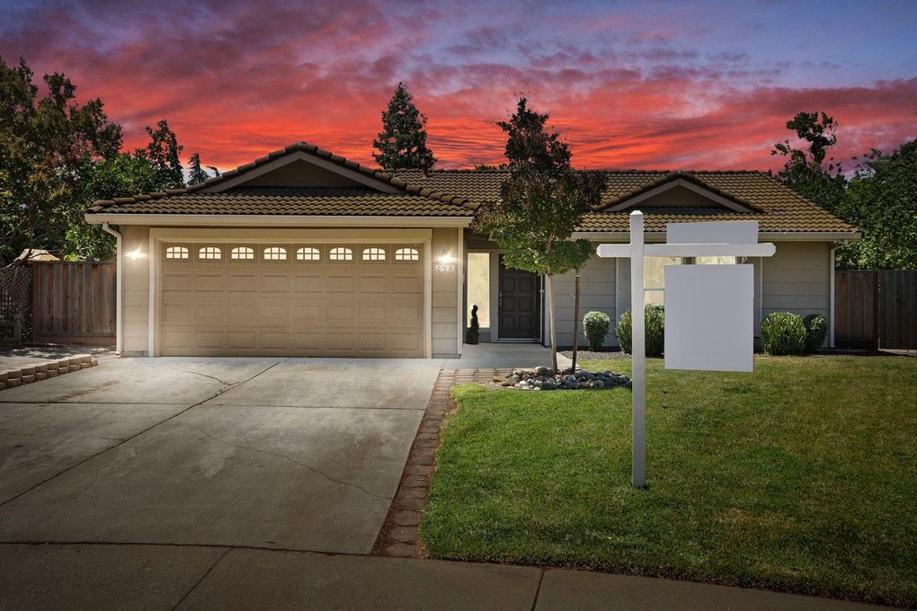 290 W Willow Creek Dr Tracy, CA 95376