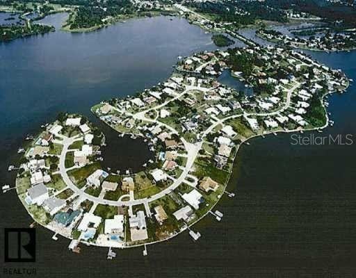 121 Carlyle Dr Palm Harbor, FL 34683