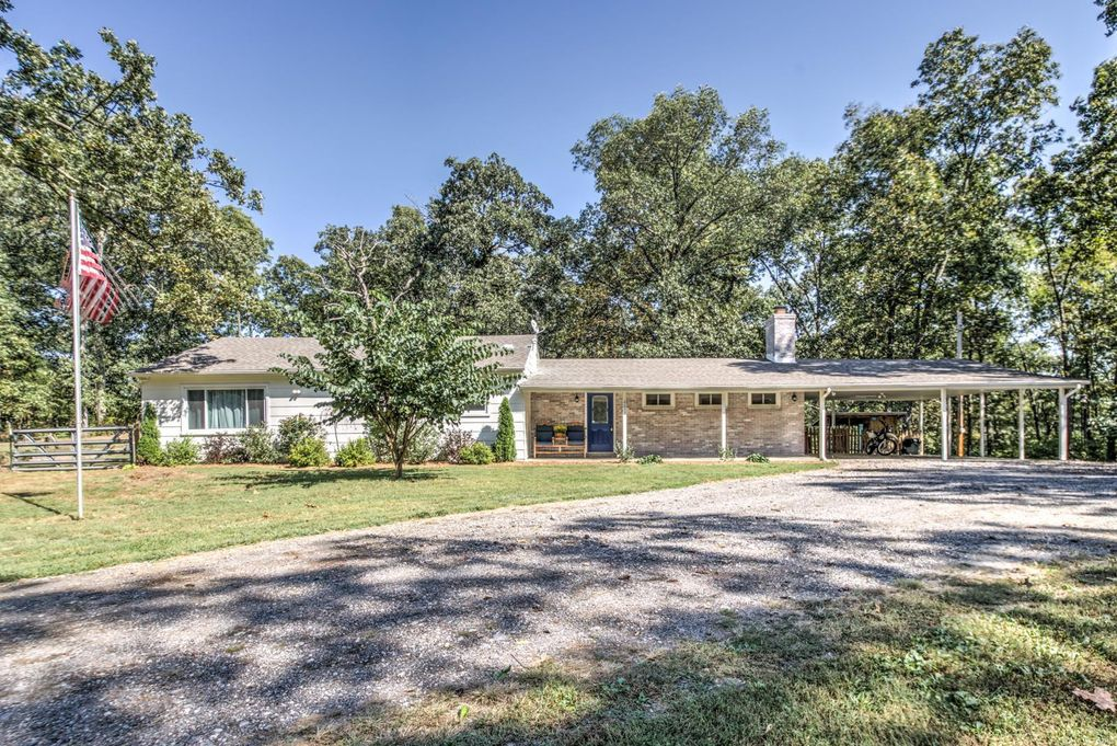 4832 Highway D Defiance, MO 63341