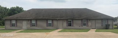 Photo of 702 Leewood Dr, Paragould, AR 72450