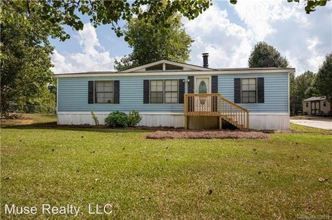 Photo of 3979 Berryhill Rd, Edgemoor, SC 29712