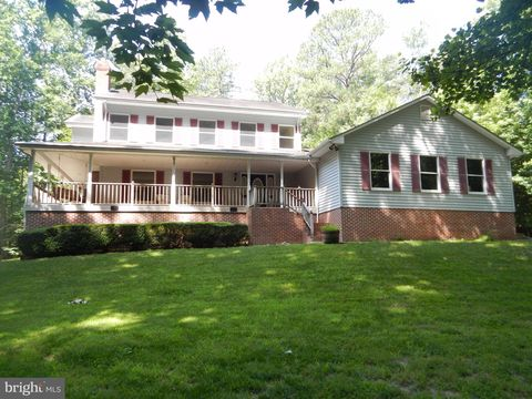 Photo of 43845 Drum Cliff Rd, Hollywood, MD 20636