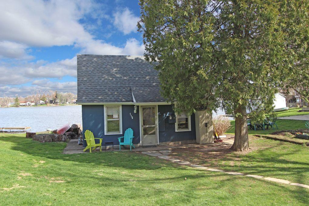 116 Janet Dr Island Lake, IL 60042