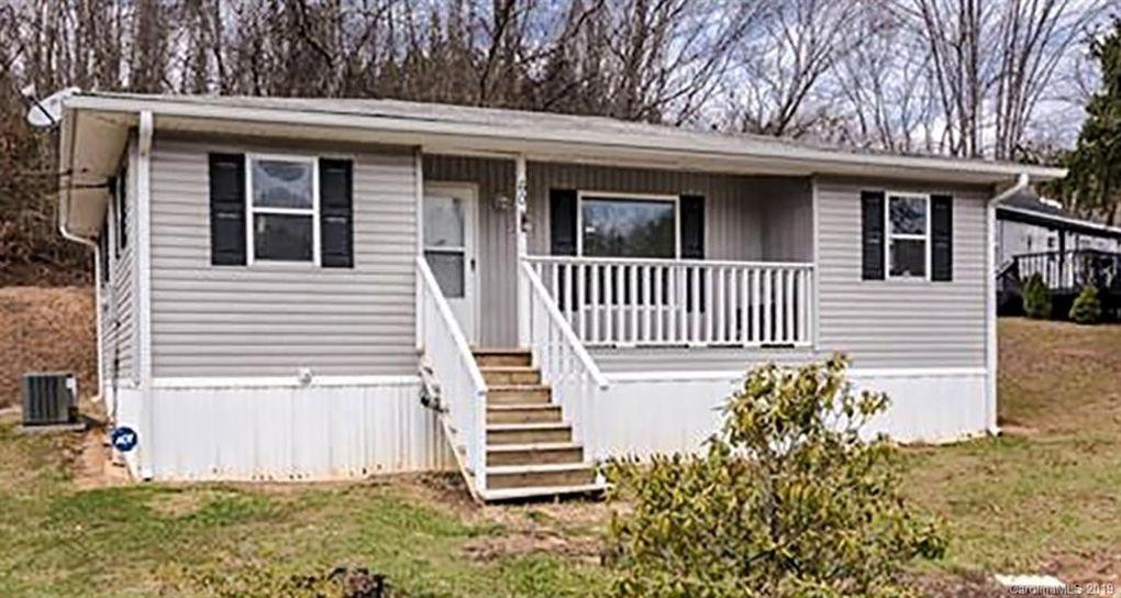 60 Sharptown Rd Canton, NC 28716