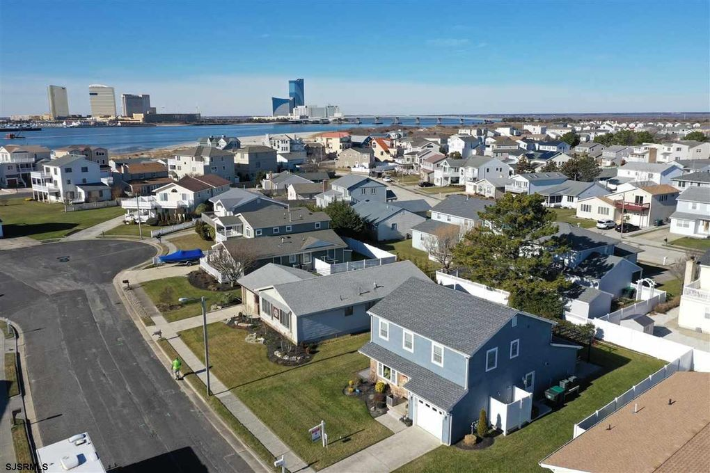 10 Harbour Ct Brigantine, NJ 08203
