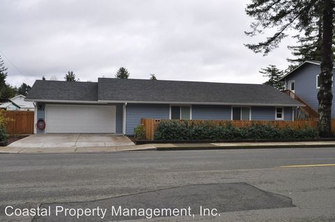 Photo of 962 Spruce St, Florence, OR 97439