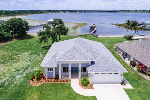 Photo of 956 Lake Dr E, Lake Placid, FL 33852