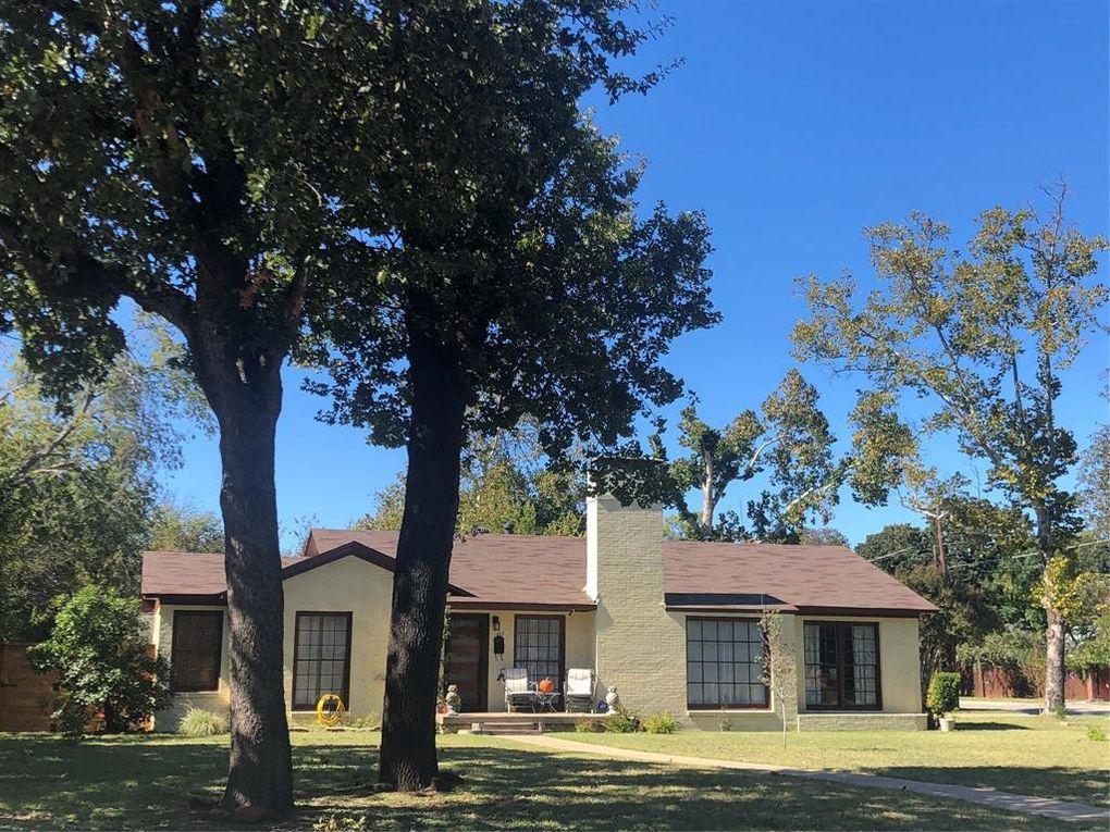 817 Merritt St River Oaks, TX 76114