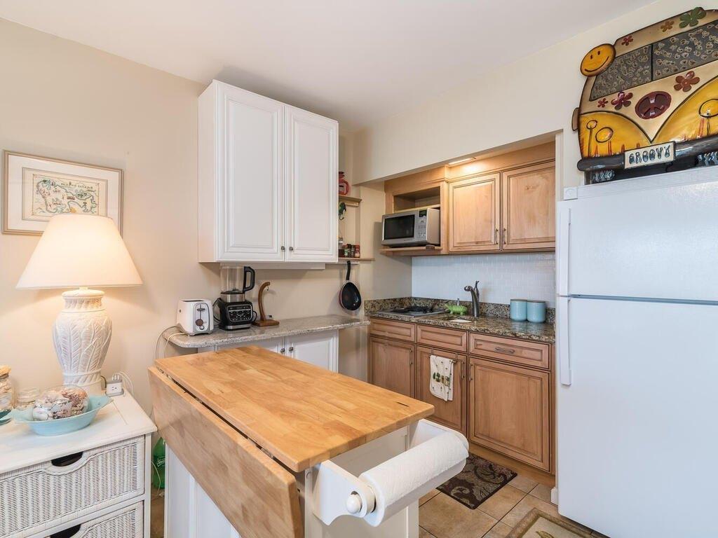 Kitchen featured at 240 N Collier Blvd Unit 8, Marco Island, FL 34145