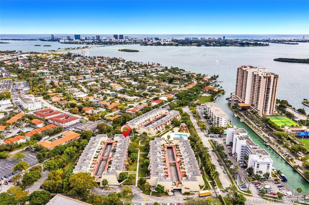 1655 NE 115th St Unit 10B Miami, FL 33181