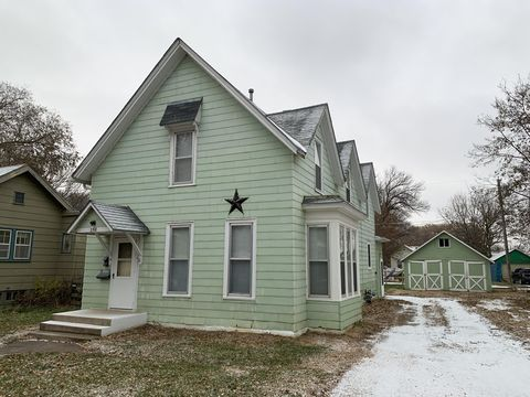 Photo of 358 Beach Ave Se, Huron, SD 57350