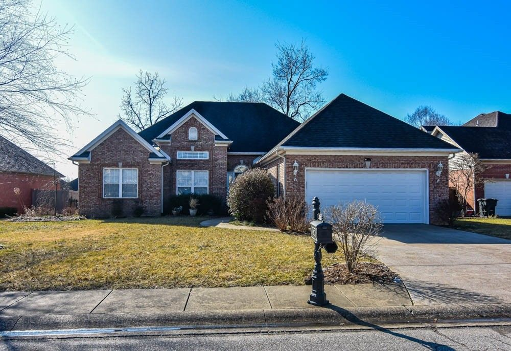 2433 Wheaton Dr Evansville, IN 47725