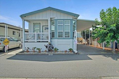 1099 38th Ave Spc 8, Santa Cruz, CA 95062