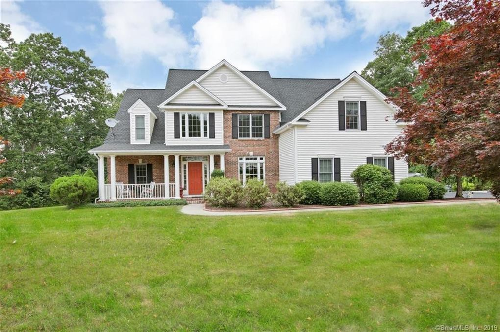 6 Apple Dr Oxford, CT 06478