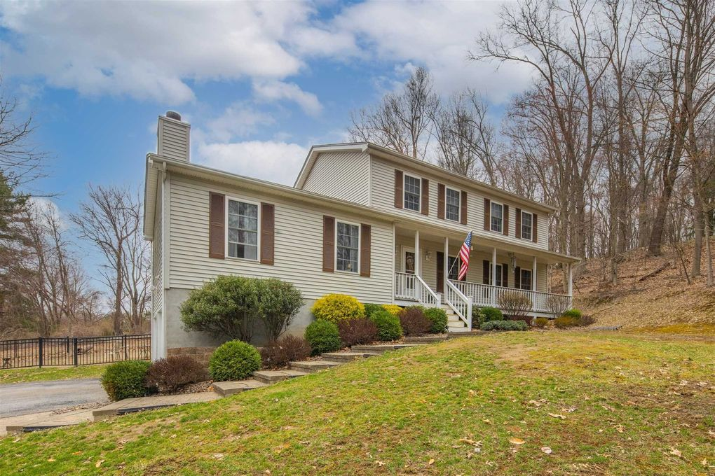 10 Valley Rd Wappingers Falls, NY 12590