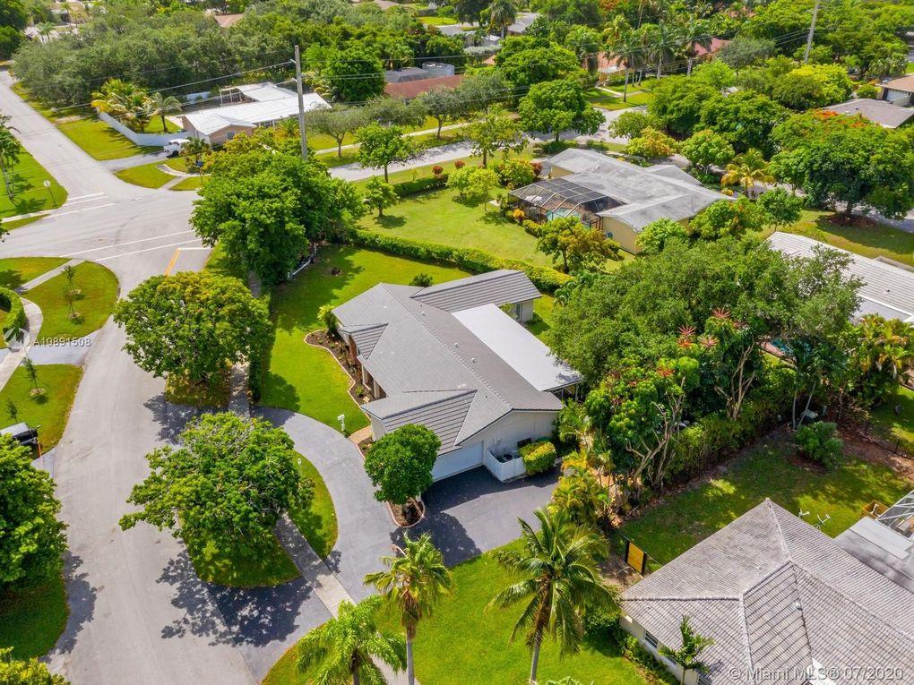 8700 SW 176th St Palmetto Bay, FL 33157