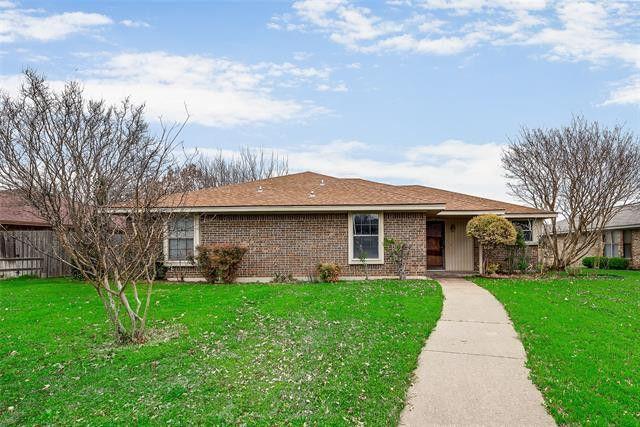 418 Bradshaw St Cedar Hill, TX 75104