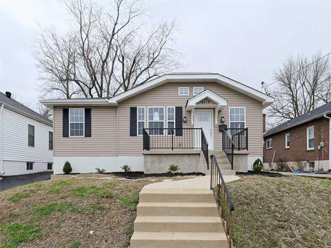 Homes for Sale in Saint Louis, MO