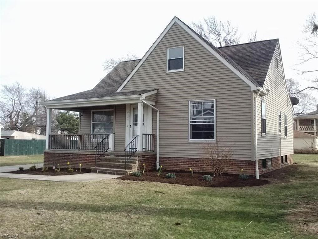 4309 Forestwood Dr Parma, OH 44134