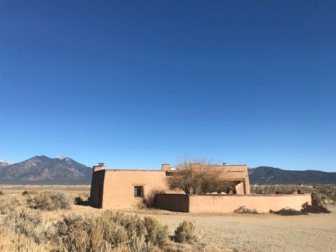 Photo of 37 Toda Vista Rd, El Prado, NM 87529