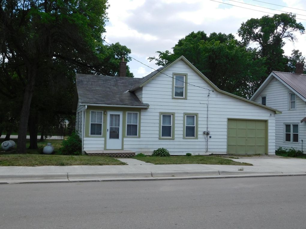 229 Division St W Elbow Lake, MN 56531