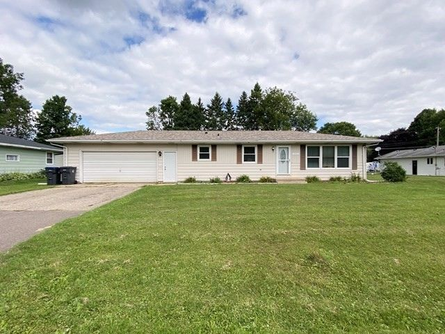 1307 E 28th St Marshfield, WI 54449