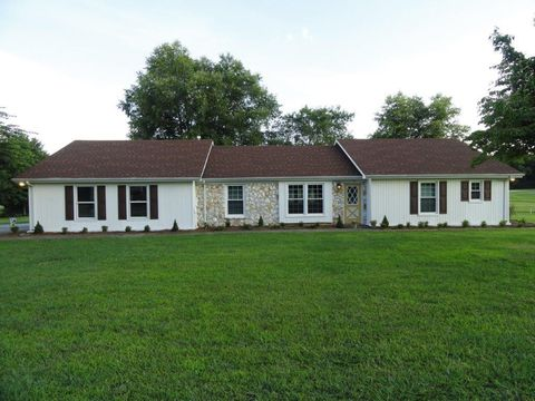 Photo of 410 Riverbend Country Club Rd, Shelbyville, TN 37160