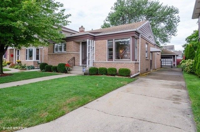 7274 N McVicker Ave Chicago, IL 60646