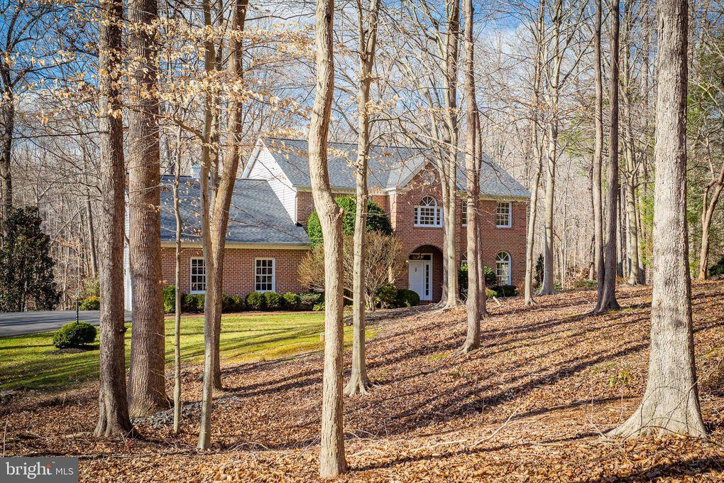 8425 Sylvan Way Clifton, VA 20124