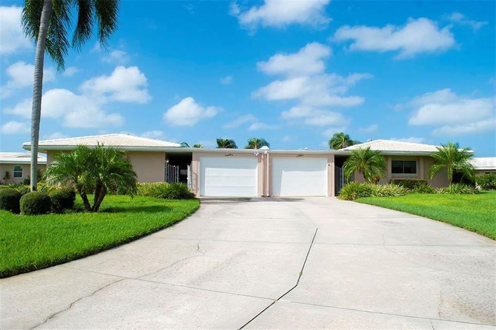 3518 Village Green Dr Sarasota, FL 34239