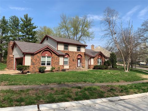 Photo of 15587 Century Lake Dr, Chesterfield, MO 63017