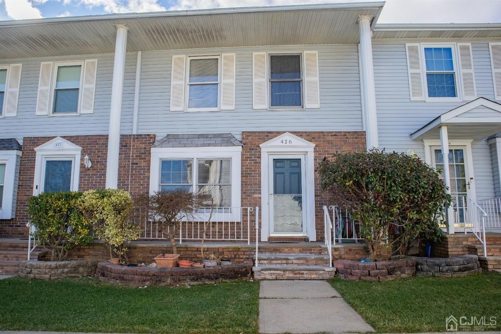 426 N Gambocz Ct South Brunswick, NJ 08852
