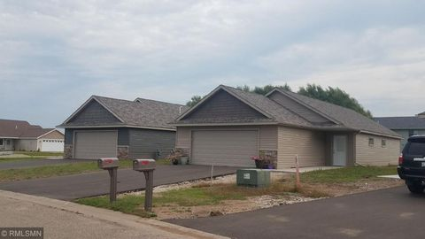 Photo of 1747 Aspen Ct, New Richmond, WI 54017