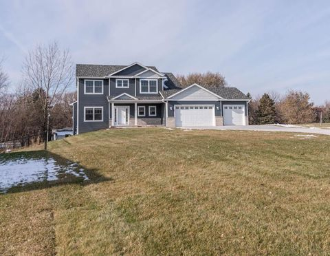 Photo of 3057 20th Ave Se, Rochester, MN 55904