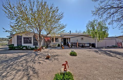 Photo of 18557 S Anna Smith Rd, Peeples Valley, AZ 86332