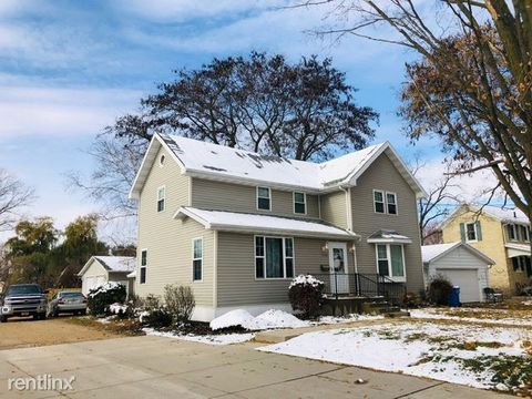Photo of 154 River Rd, Columbus, WI 53925