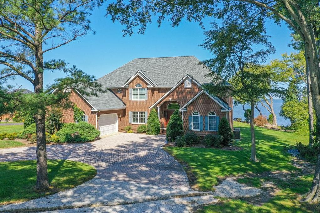 314 Church Point Ln Colonial Beach, VA 22443