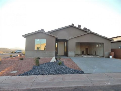 Photo of 878 Heron Dr, Page, AZ 86040