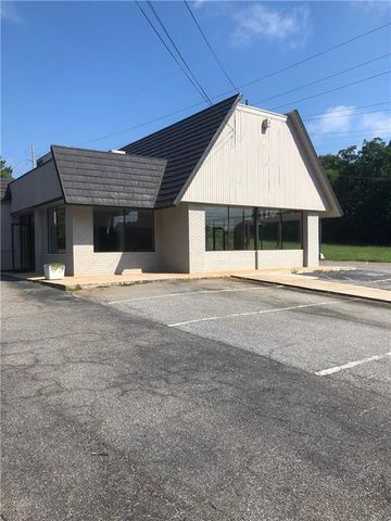 Photo of 871 N Main St, Madison, GA 30650
