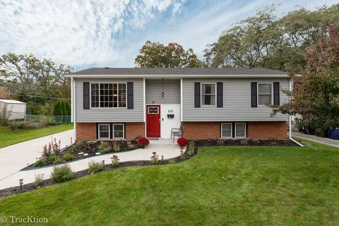 Homes For Sale Near Edgewood Elementary School Woodridge