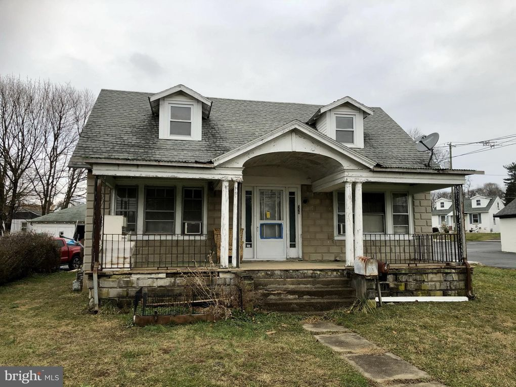 558 Lincoln St Oxford, PA 19363