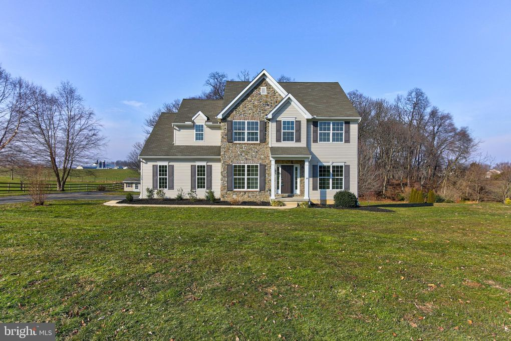 124 Buttercup Dr Oxford, PA 19363
