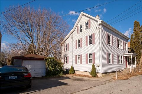 Photo of 12 Murphy Ave Unit 2, Bristol, RI 02809