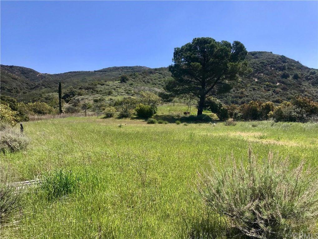 20 N Main Divide Rd Silverado Canyon, CA 92676