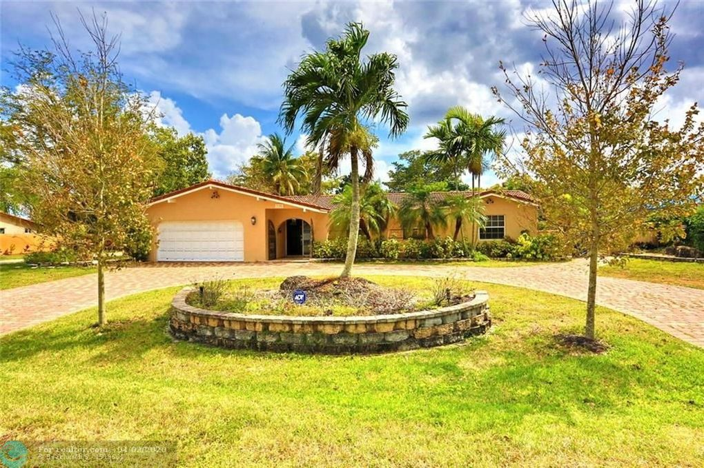 8106 NW 38th St Coral Springs, FL 33065